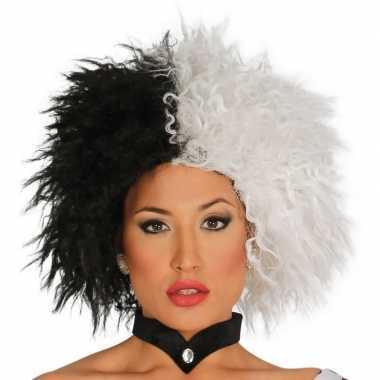 Goedkope cruella verkleed pruik zwart/wit dames